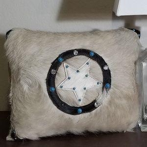 Pillow #1695